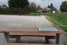 Slika 5: Miza za druženje